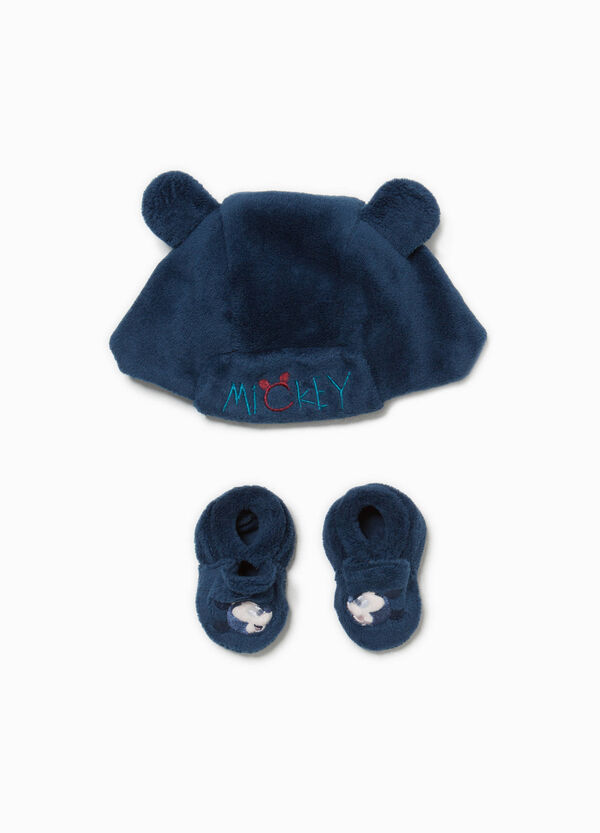 Mickey Mouse hat and baby shoes set