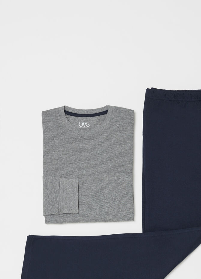 Pyjamas with trousers and top with pocket
