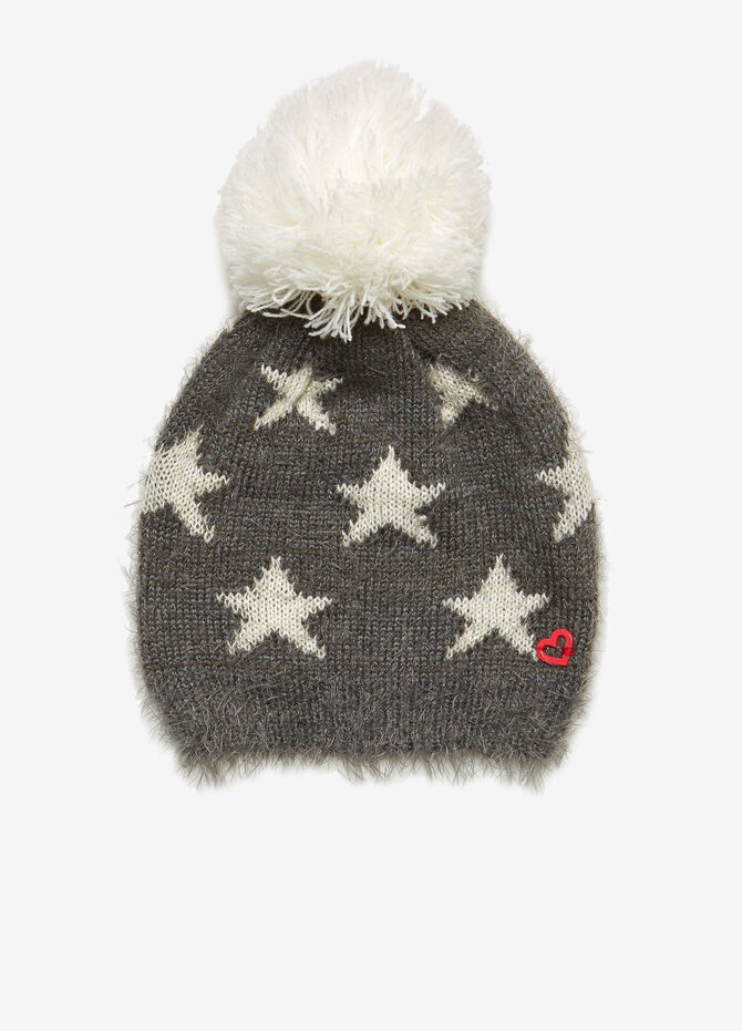 Frayed hat with stars and pompom