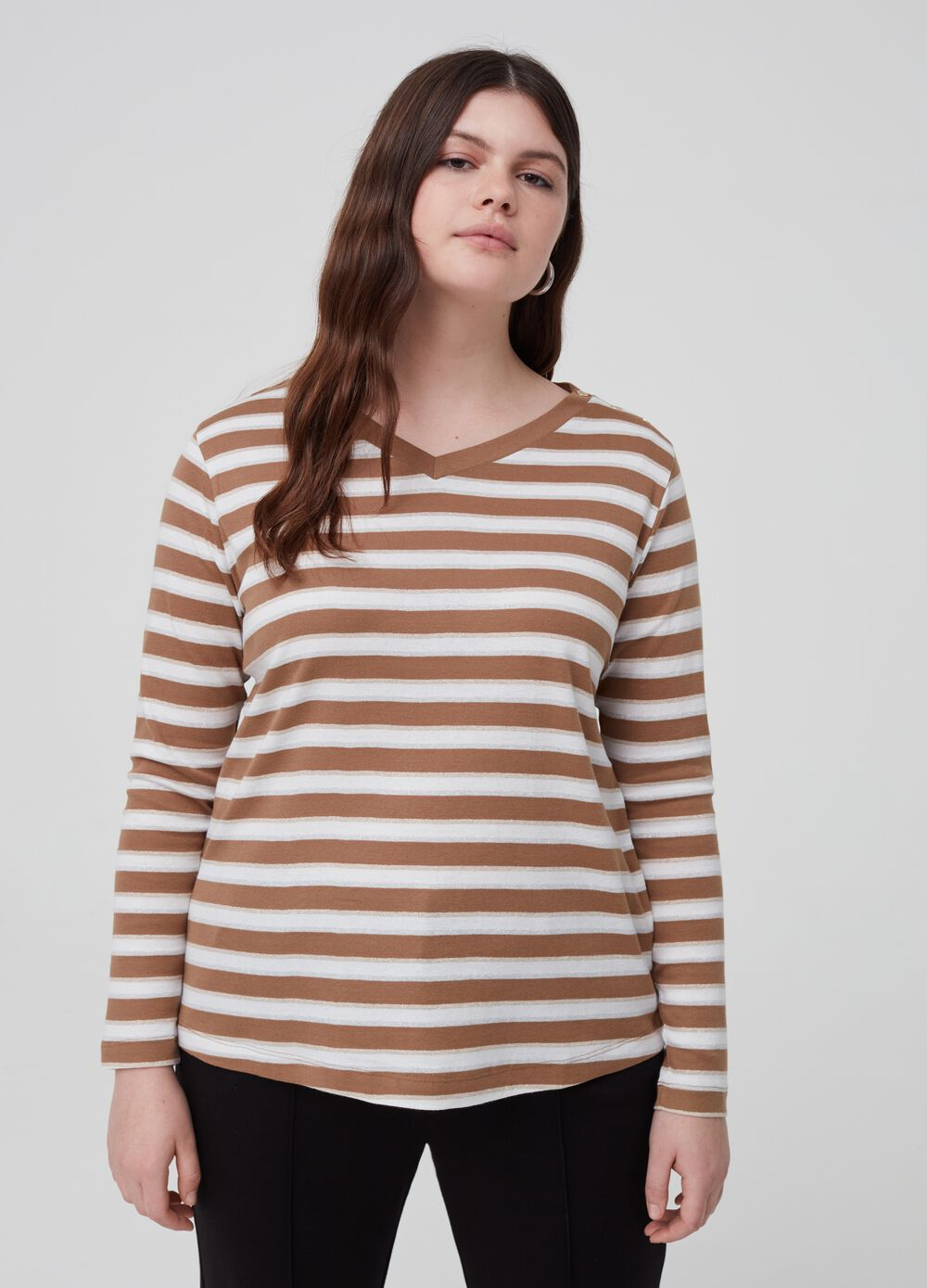 Curvy T-shirt with striped V-neck