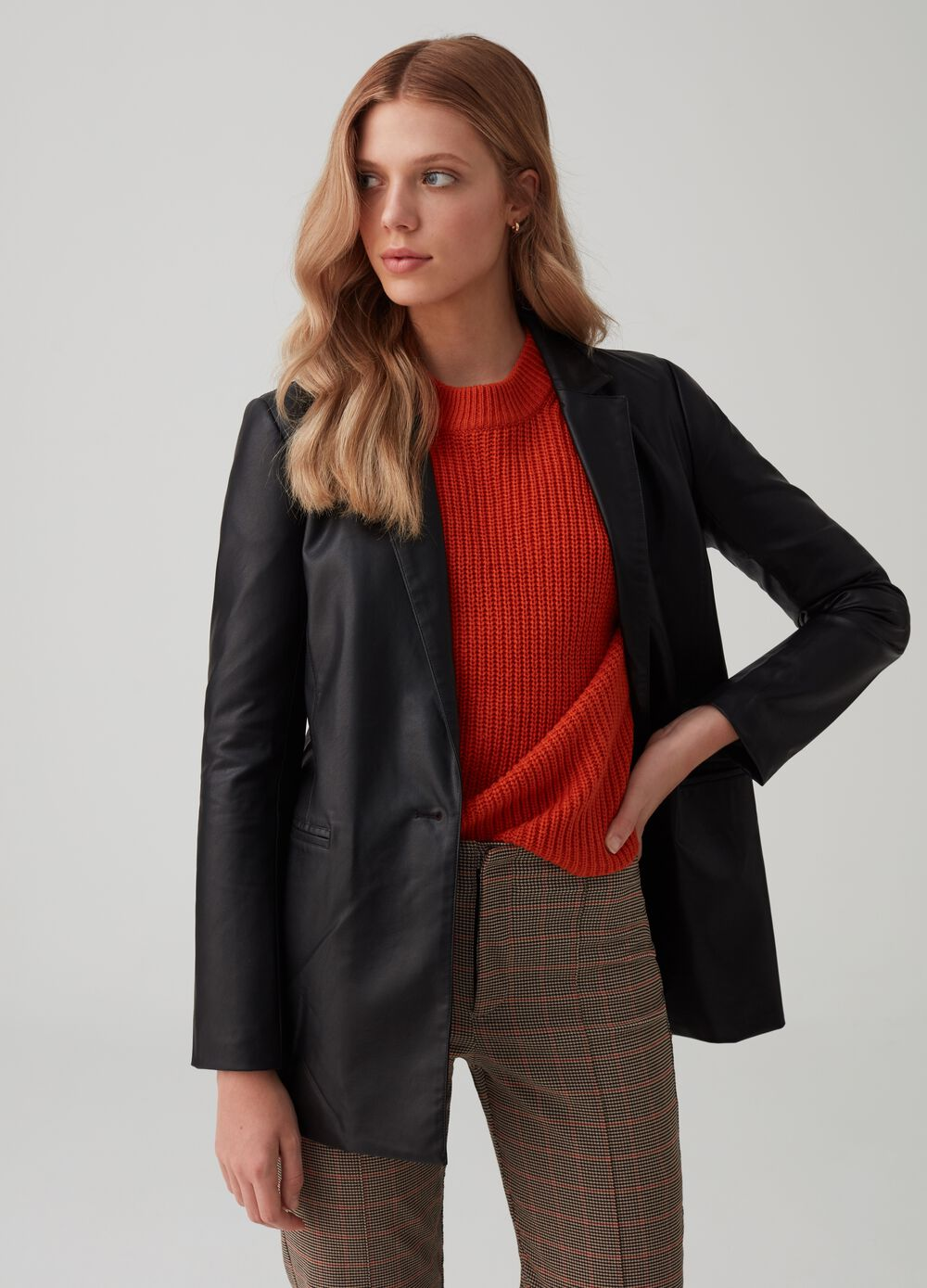 Single-breasted faux leather blazer with button