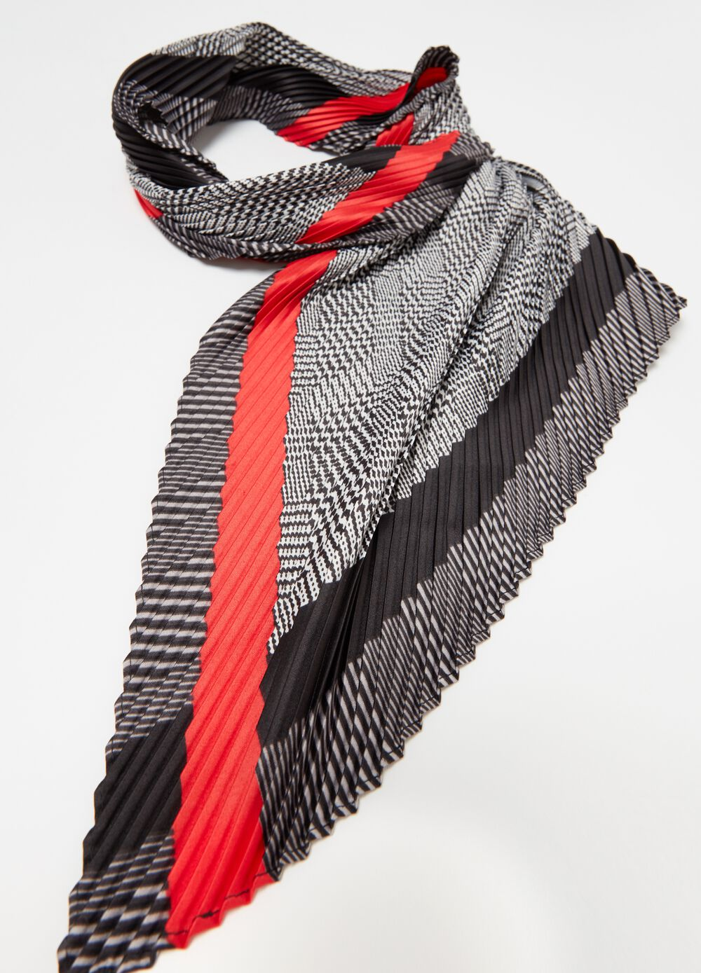 Pleated foulard with heritage check