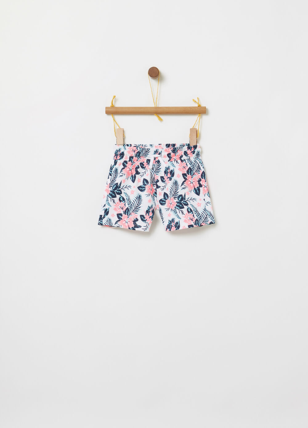 Floral pattern shorts in 100% cotton
