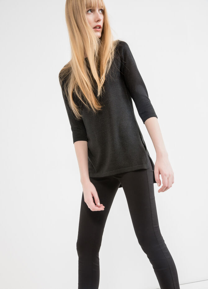 Pullover with three-quarter sleeves and splits