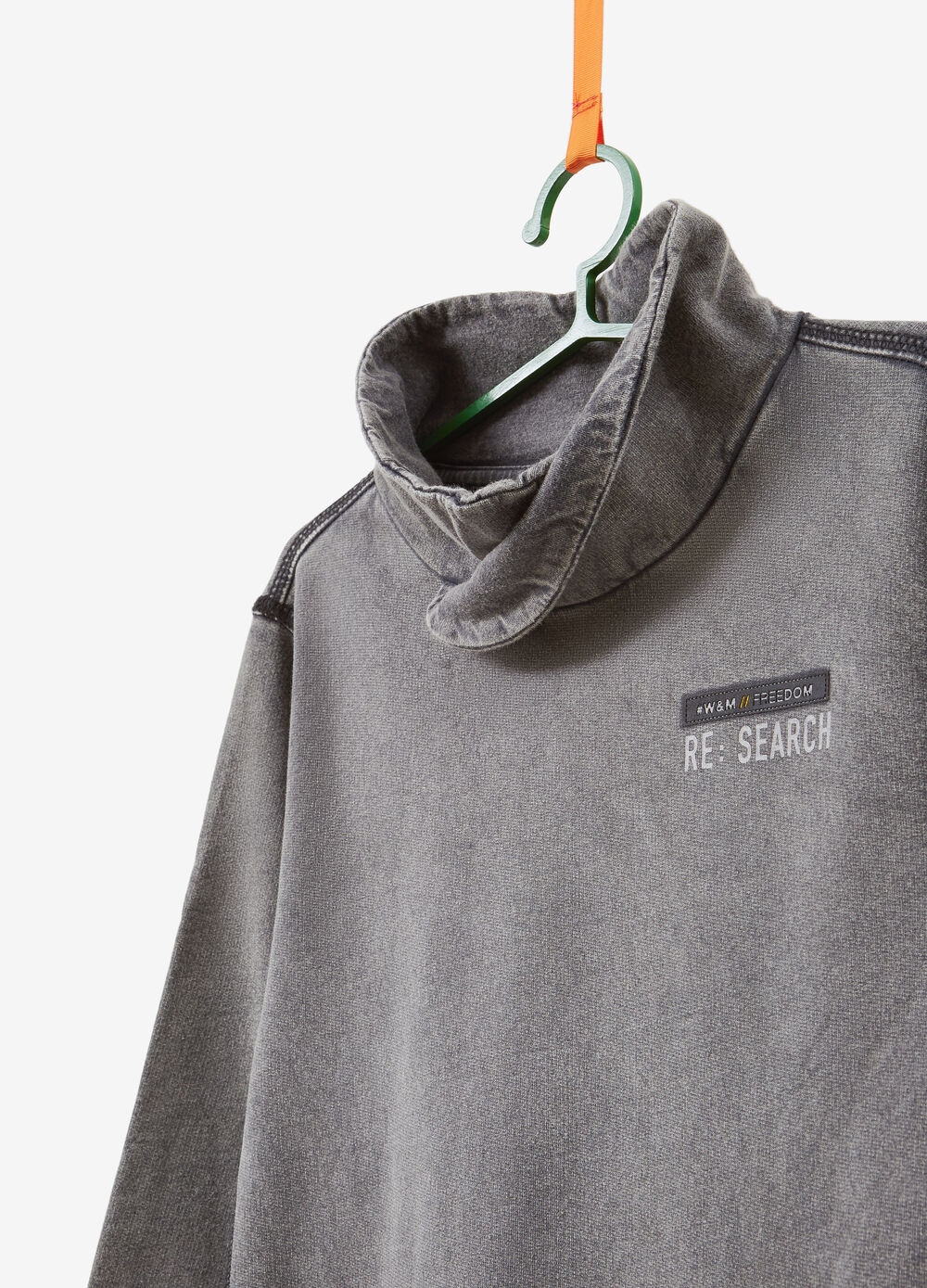 100% cotton sweatshirt with lettering patches and print