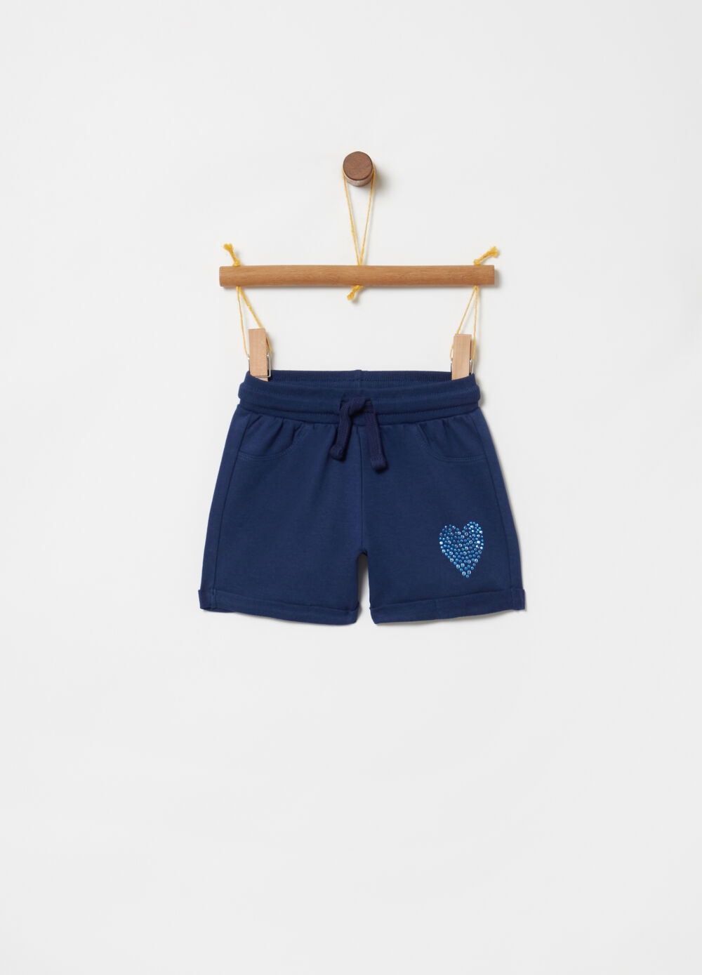 Shorts con coulisse e borchiette