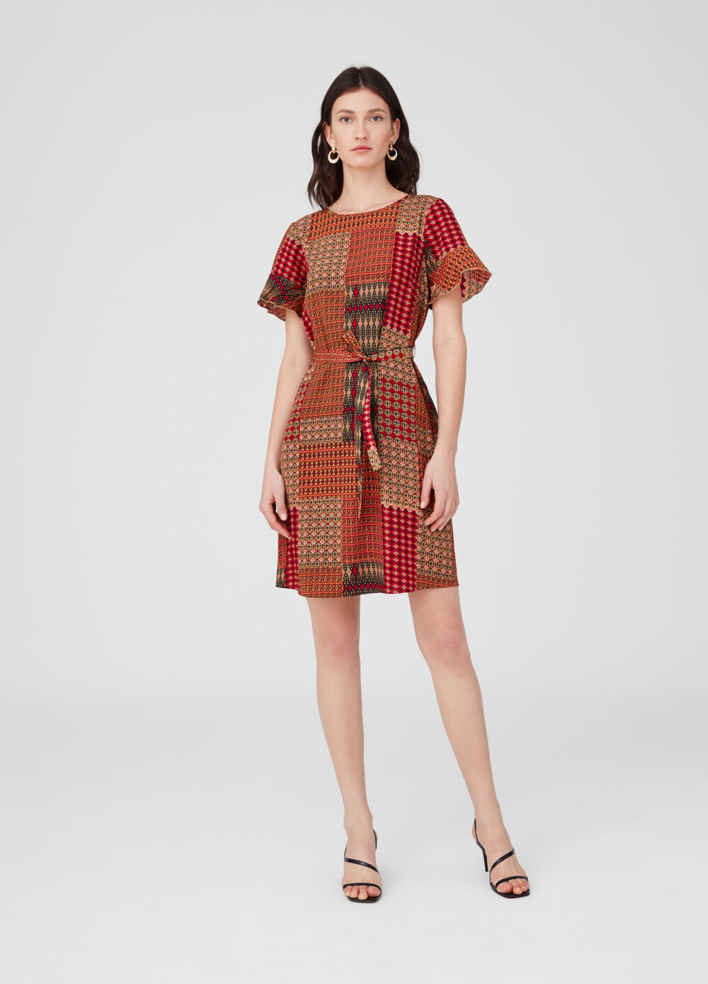 Dress with wide sleeves and patterned frills