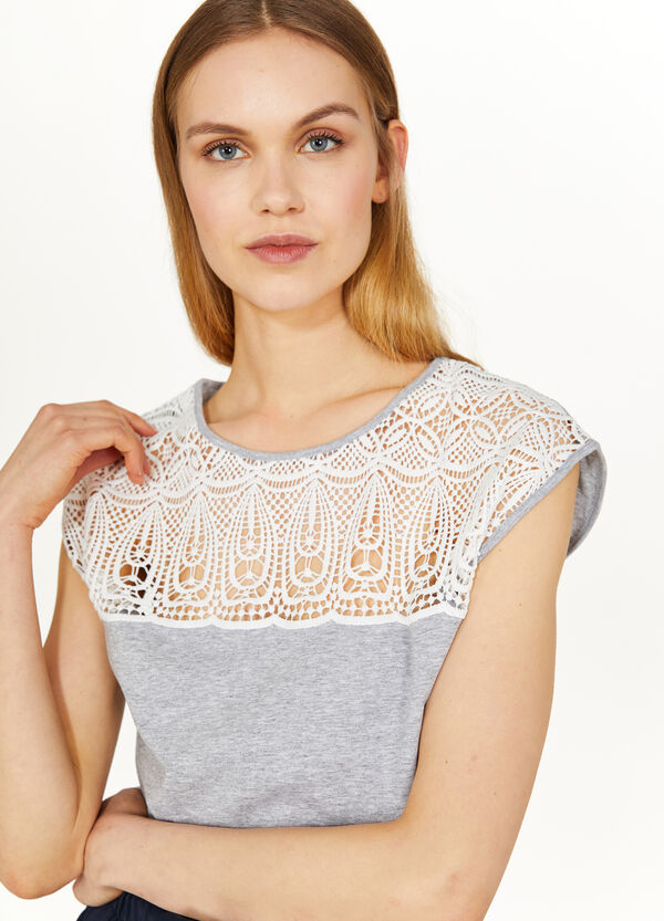 Cotton mélange T-shirt with embroidery