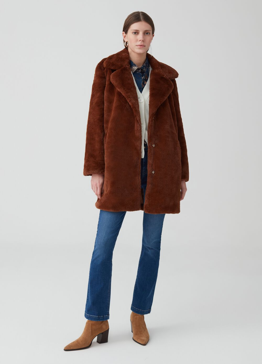Eco-fur jacket with buttons and pockets