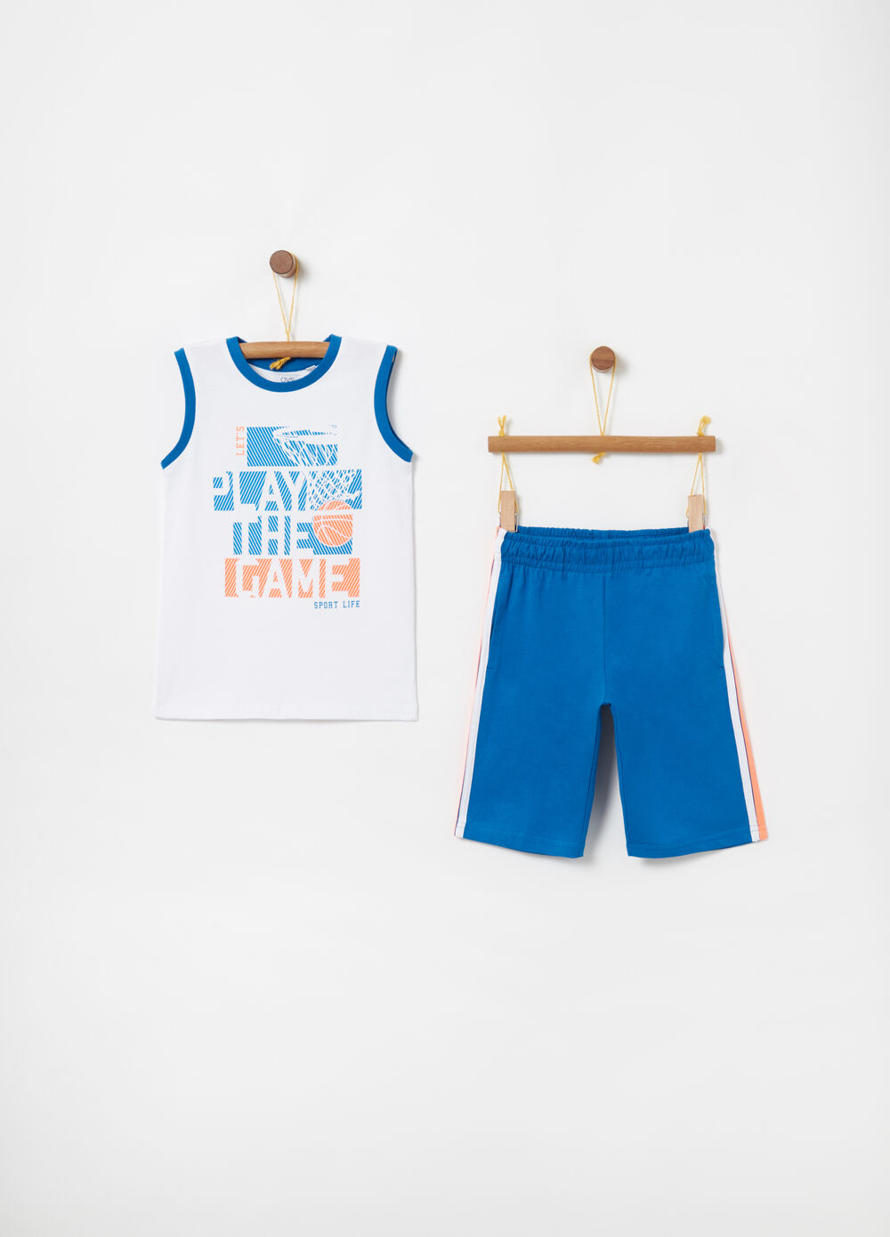 Basketball jogging set with vest and shorts