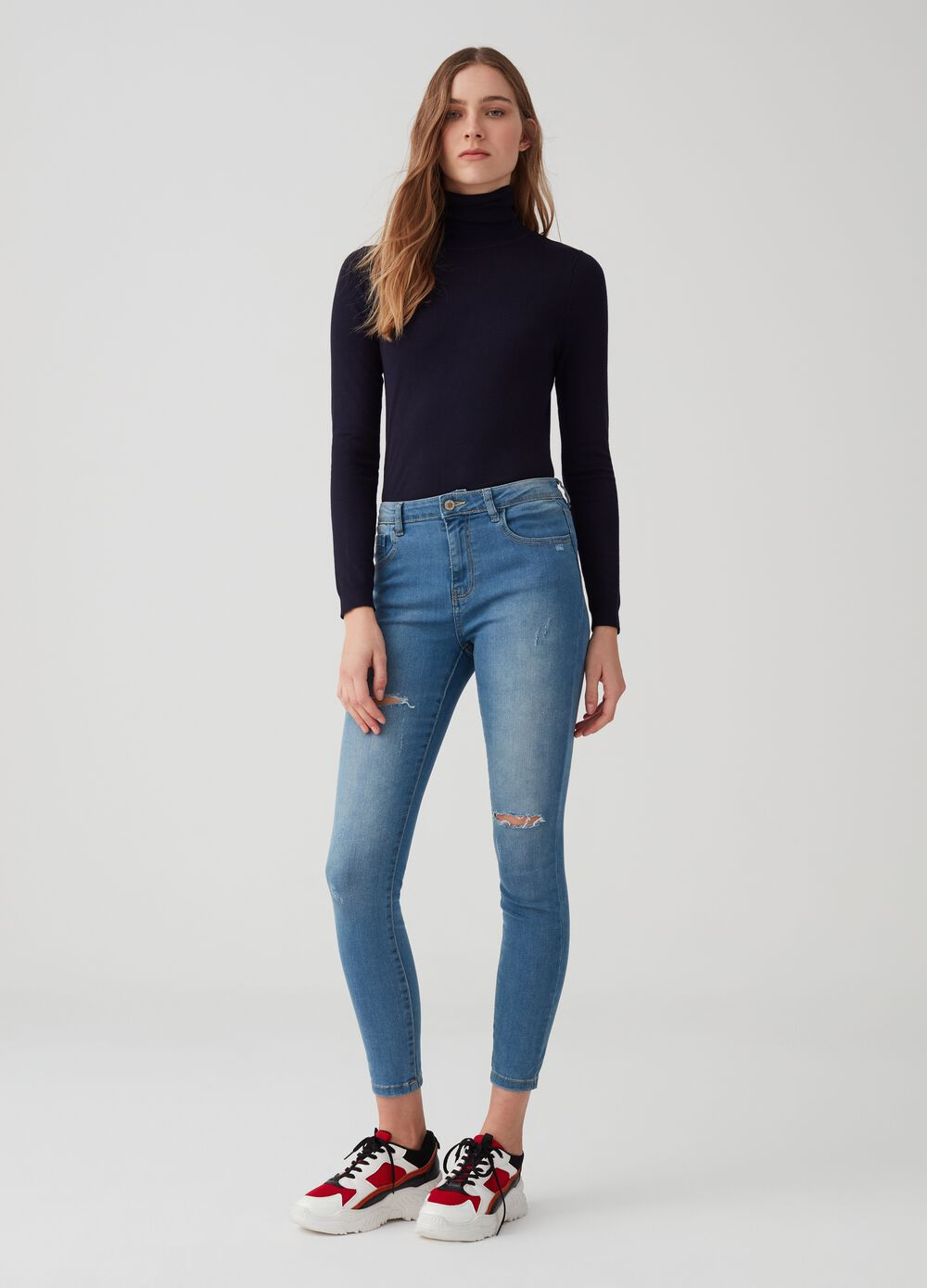 Solid colour superskinny jeans with rips