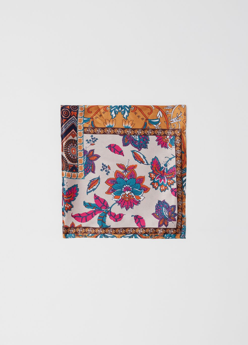Foulard with patchwork print