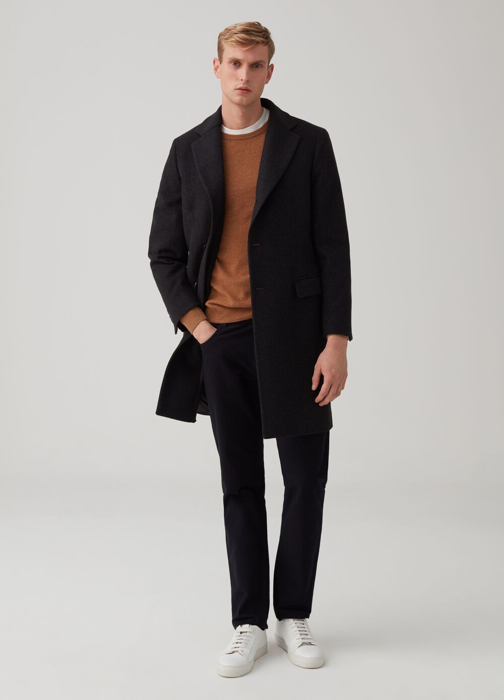 Rumford three-button coat with buttons