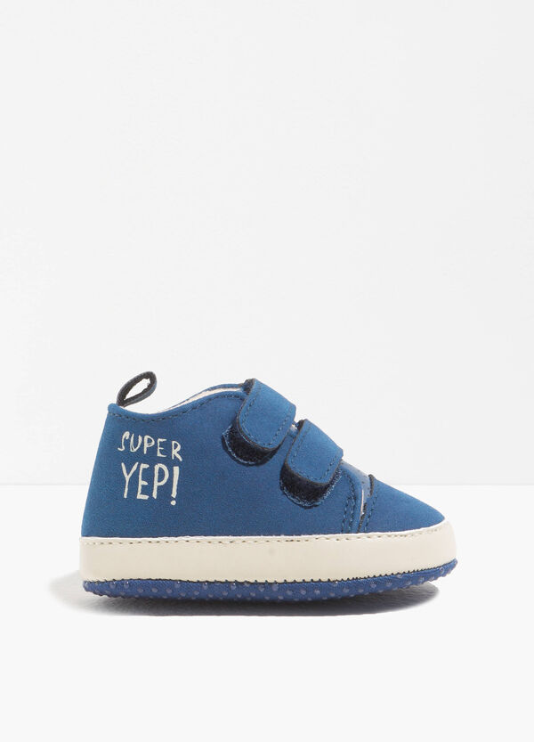 Solid colour sneakers with print | OVS