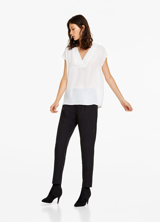 Blouse with V neck and cap sleeves