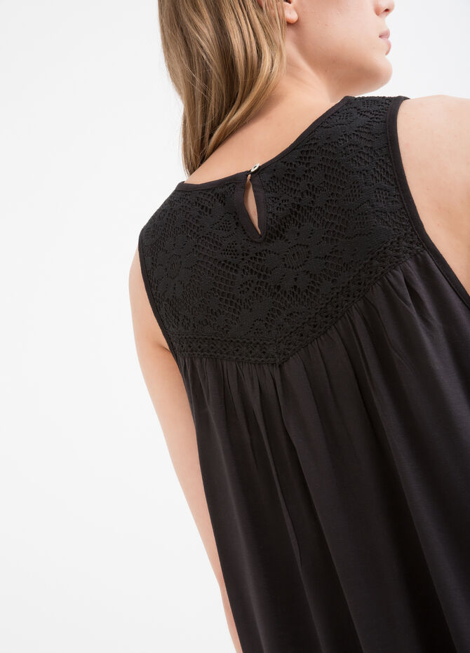 Solid colour viscose top with lace