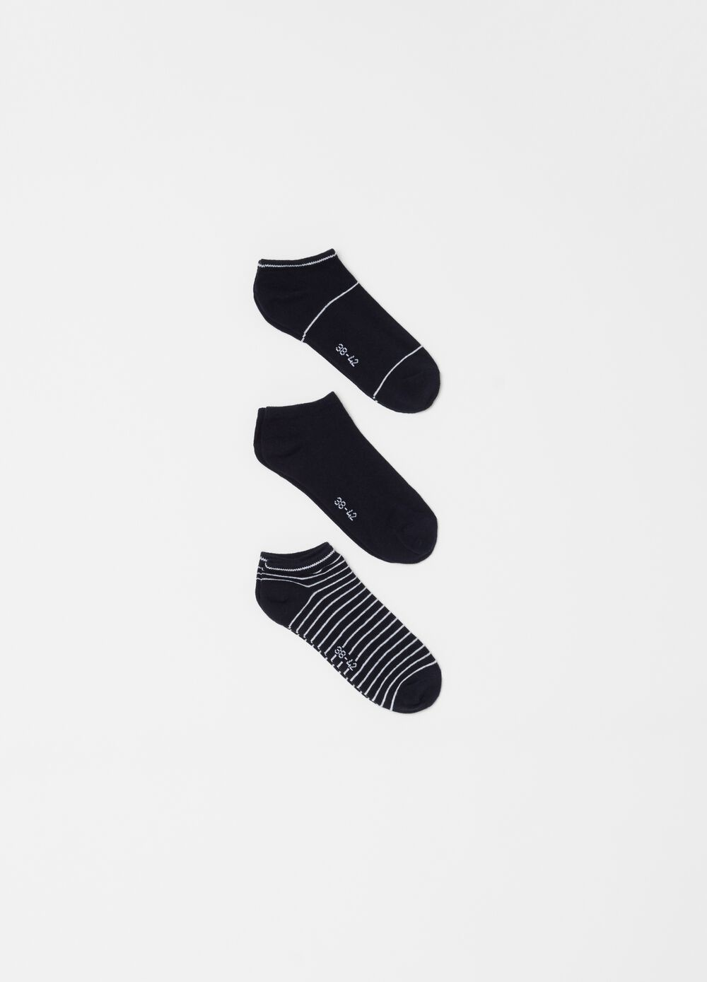 Three-pack stretch shoe liners with pattern