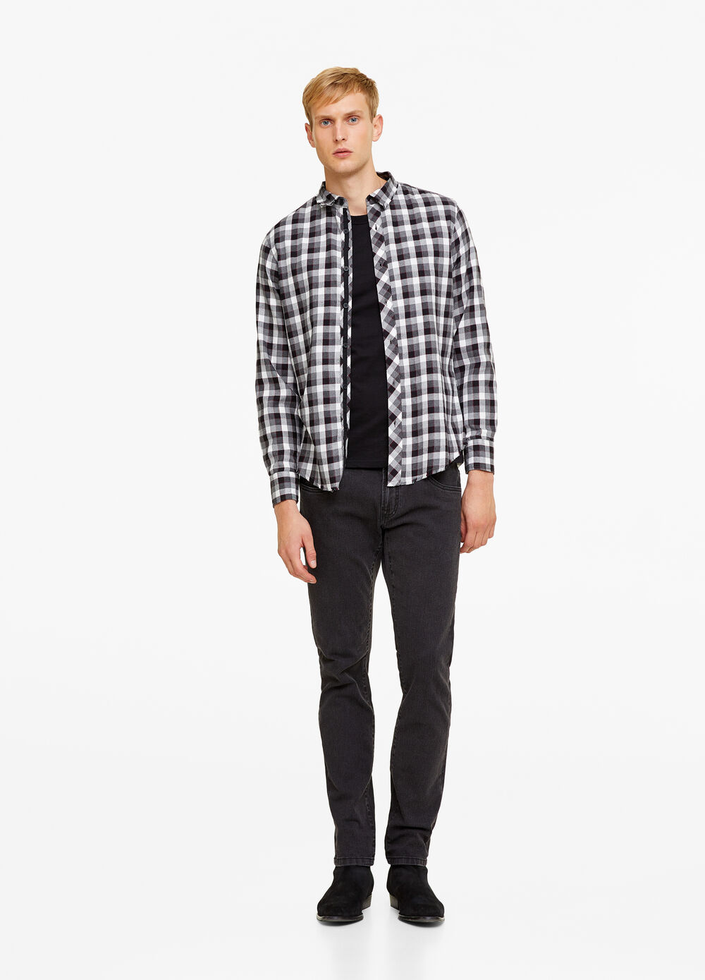 100% cotton, slim-fit shirt with check pattern