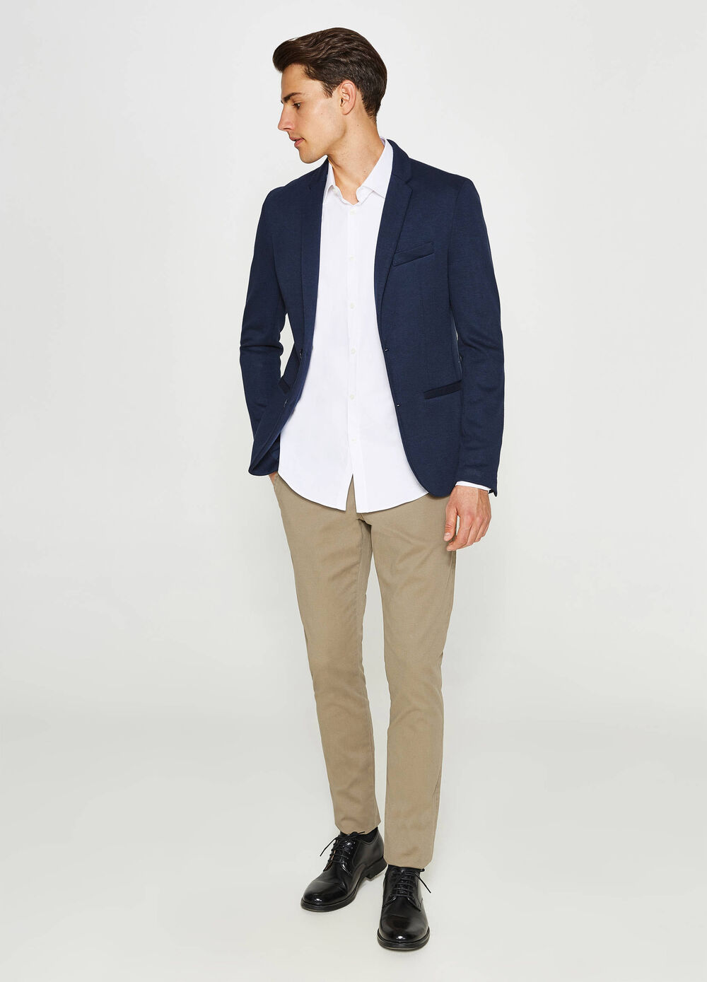 Cotton blend blazer with two-button fastening