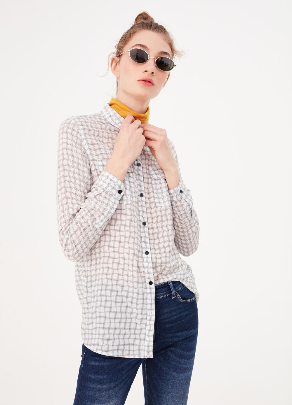 Viscose shirt with pockets and pattern