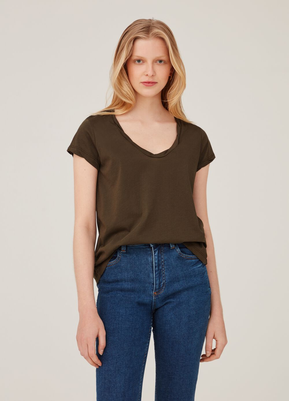 Biocotton premium T-shirt with wide neck and pleats