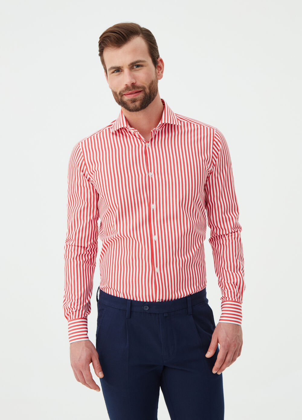Slim-fit shirt with cutaway collar and stripes