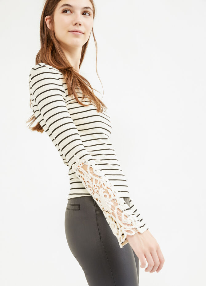 Ribbed and striped T-shirt with lace