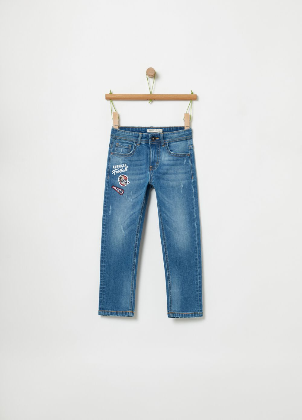 Five-pocket jeans with patch