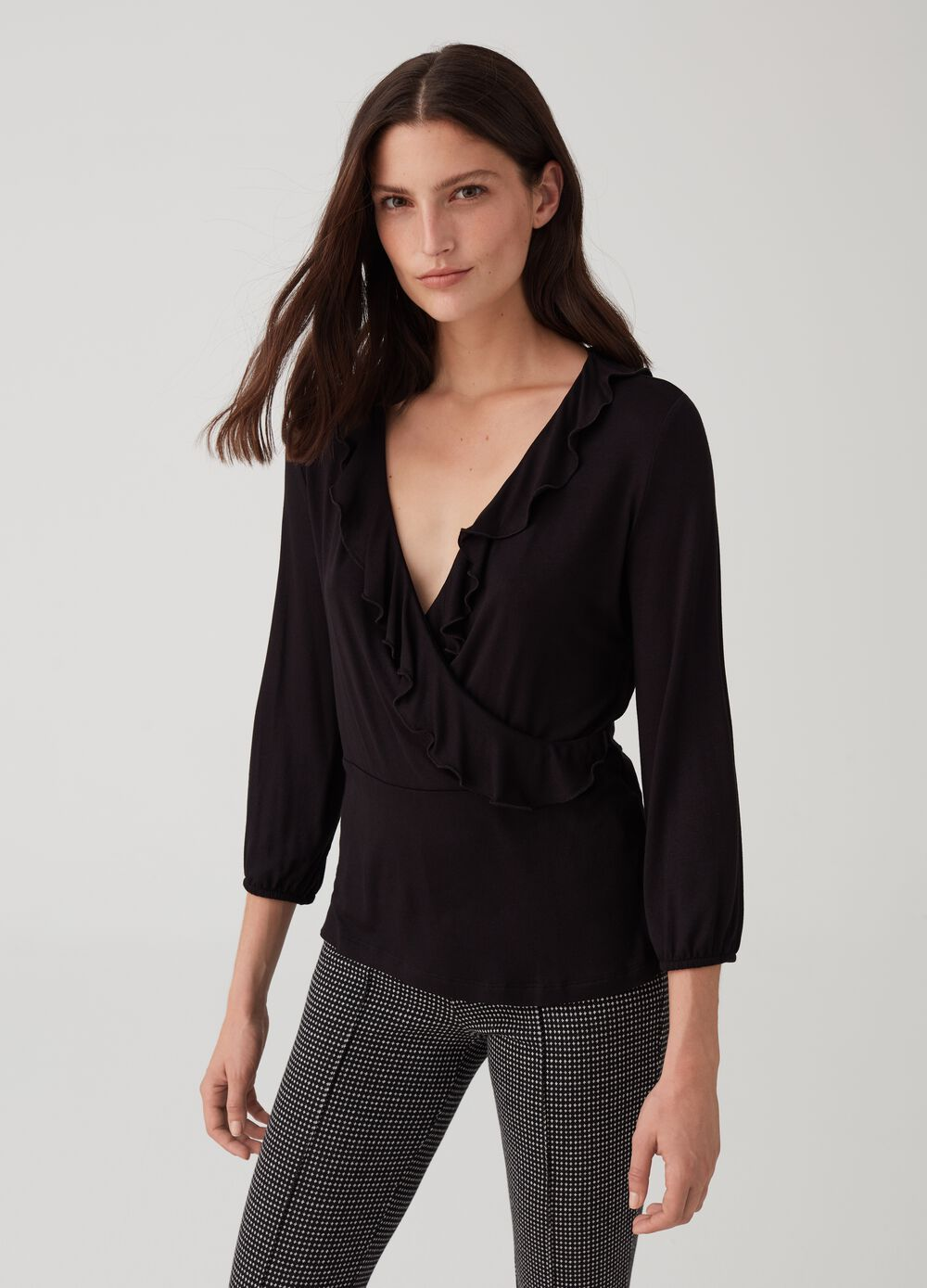 V-neck crossover top with flounce