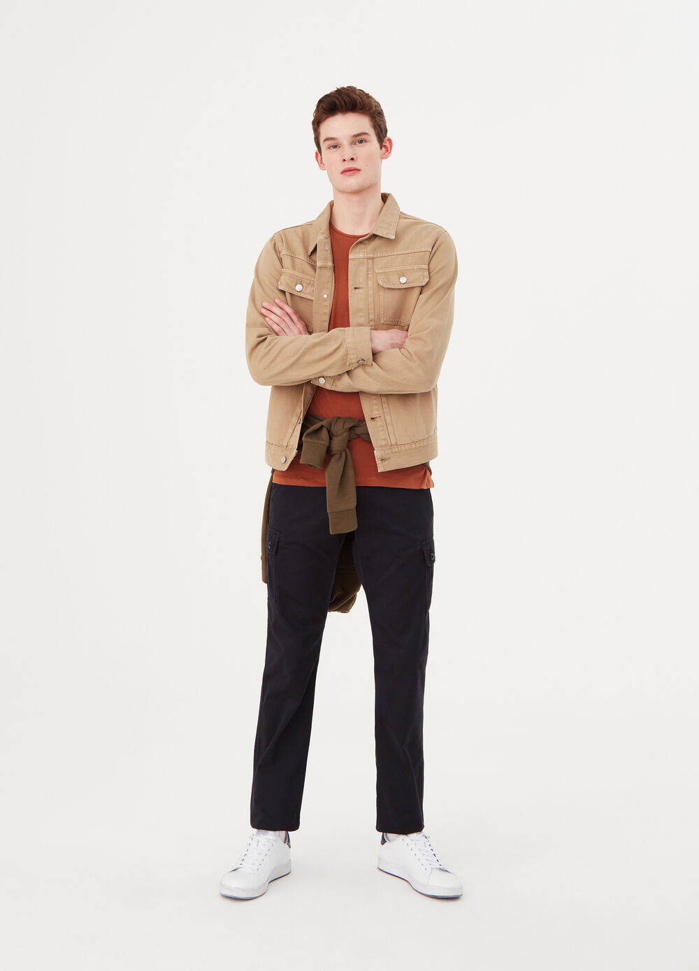 Regular-fit cargo trousers in 100% cotton
