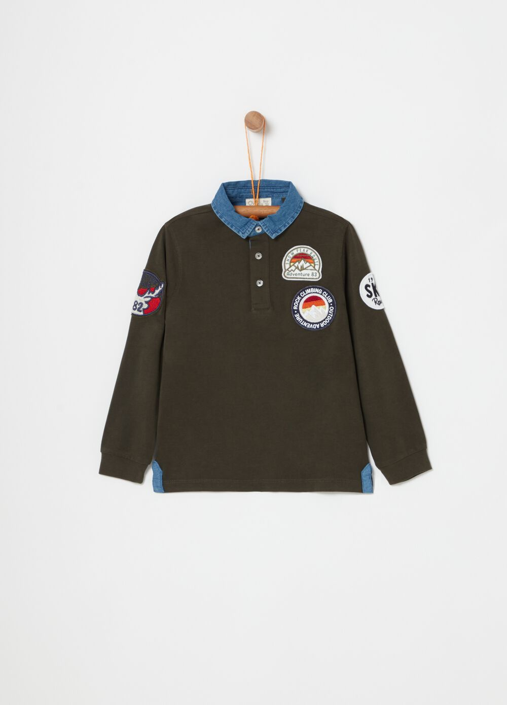 Polo shirt with long sleeves and patch