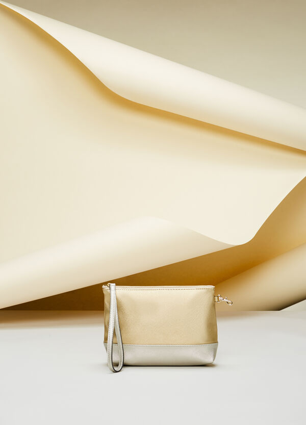 Two-tone saffiano-effect envelope clutch