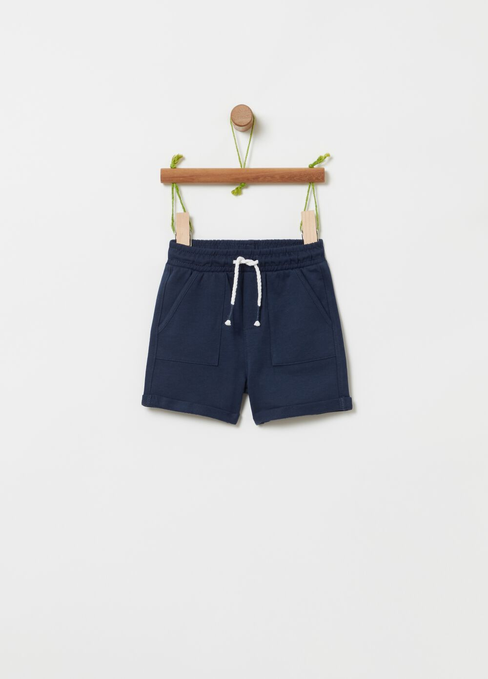 Shorts in 100% organic cotton with pockets