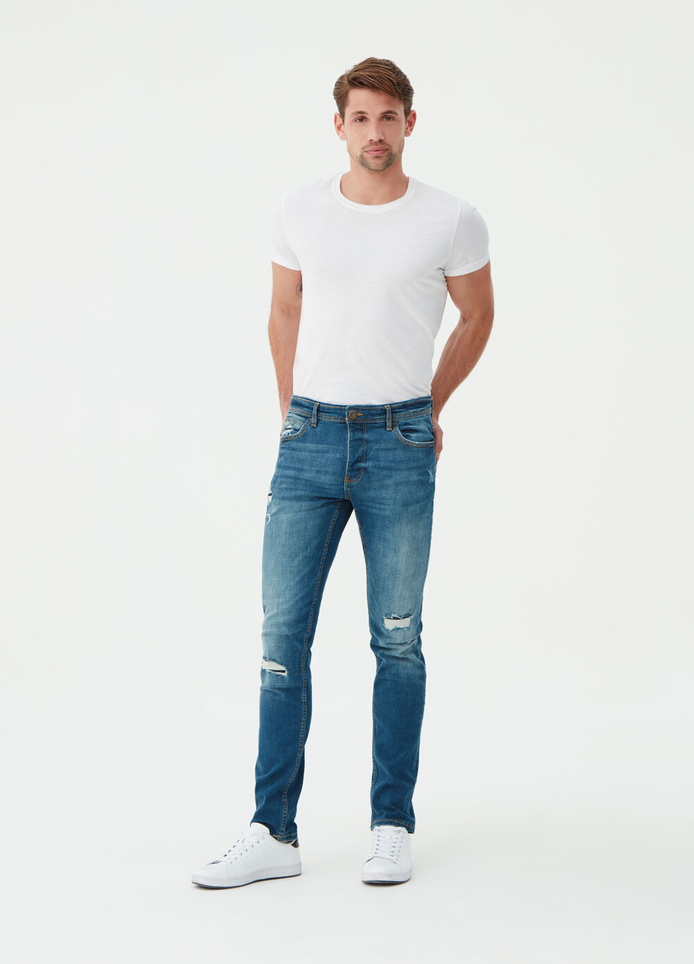 Skinny-fit stretch jeans with rips