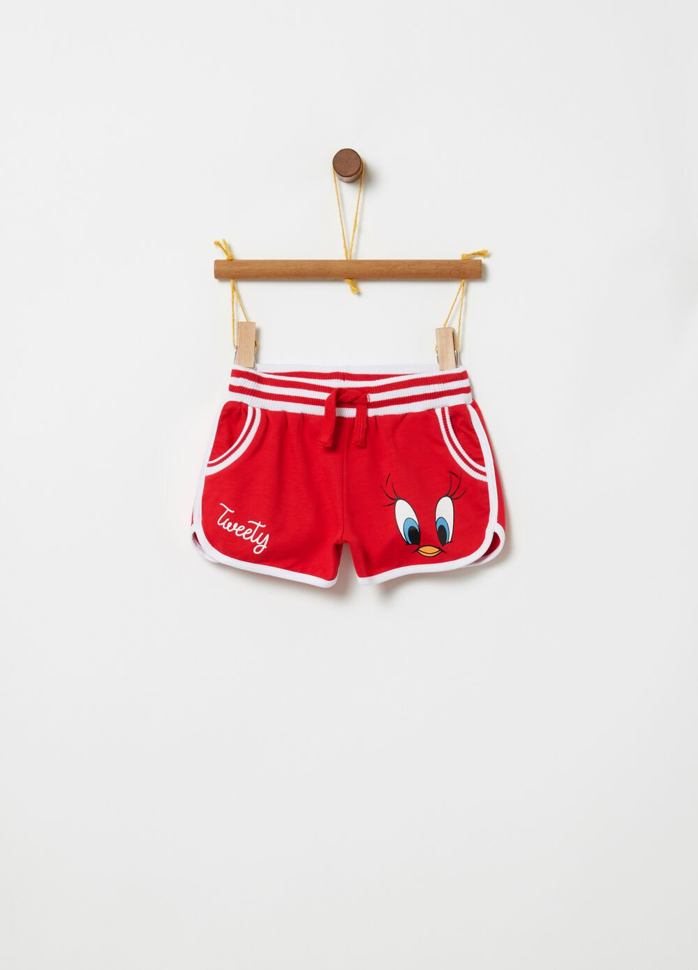 Cotton shorts with Tweetie Pie print and pockets