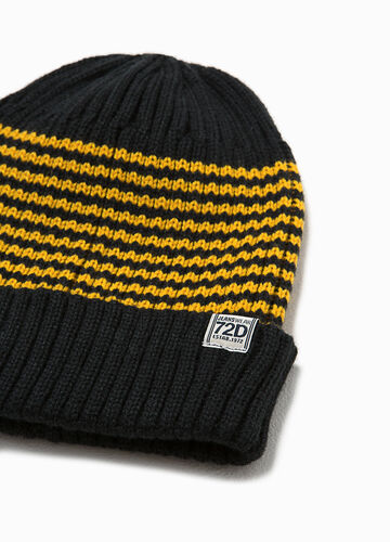 Beanie cap with striped pattern