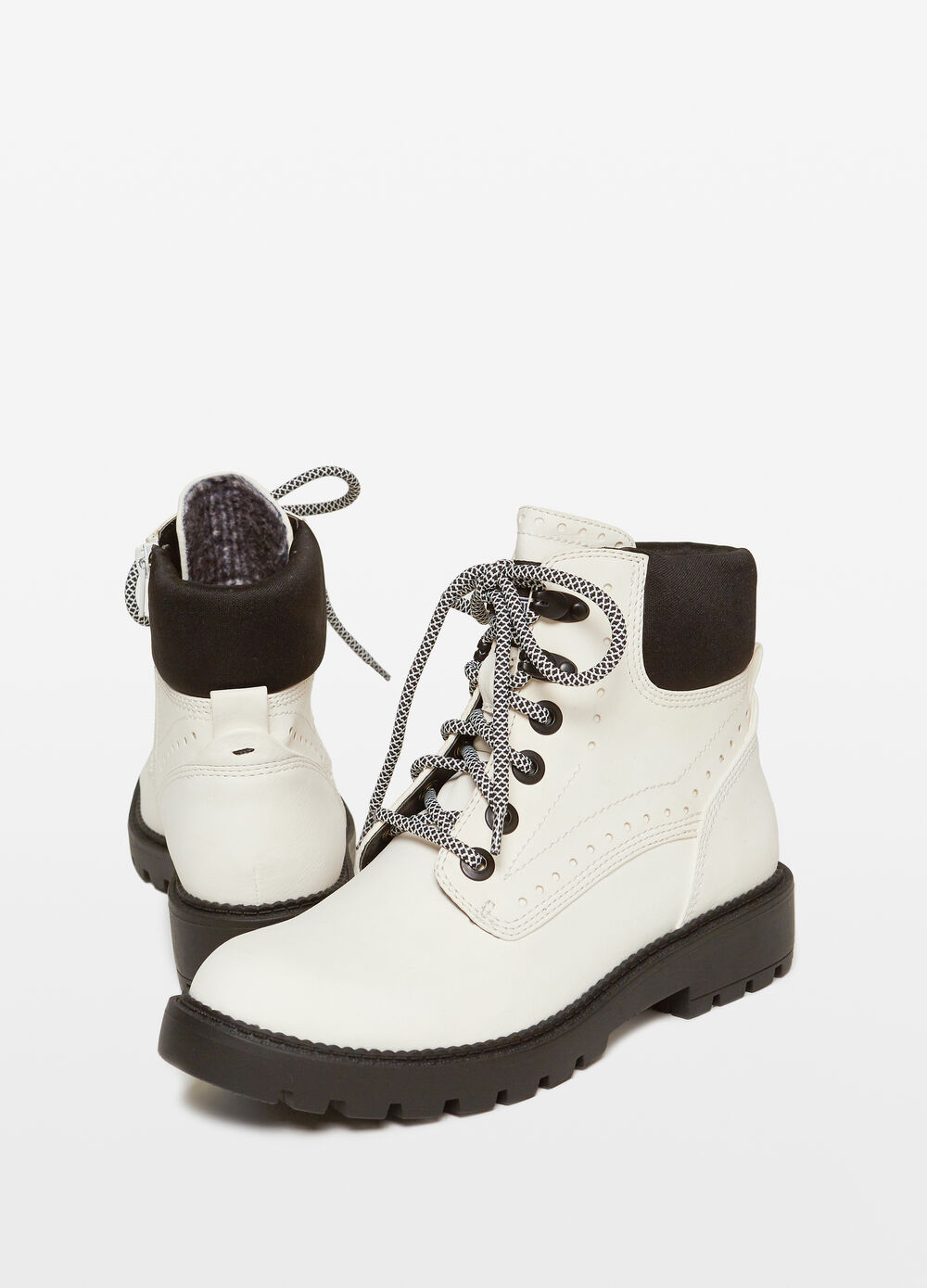 Combat boots with laces and side zips