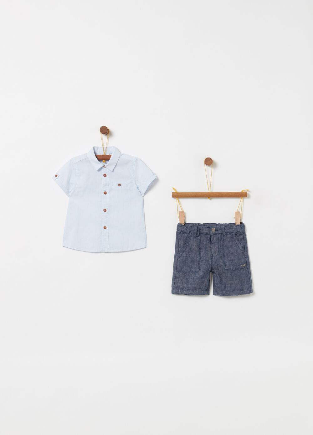 Short-sleeved check shirt and shorts set