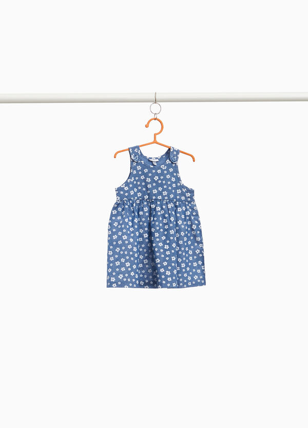 Sleeveless dress in floral cotton.