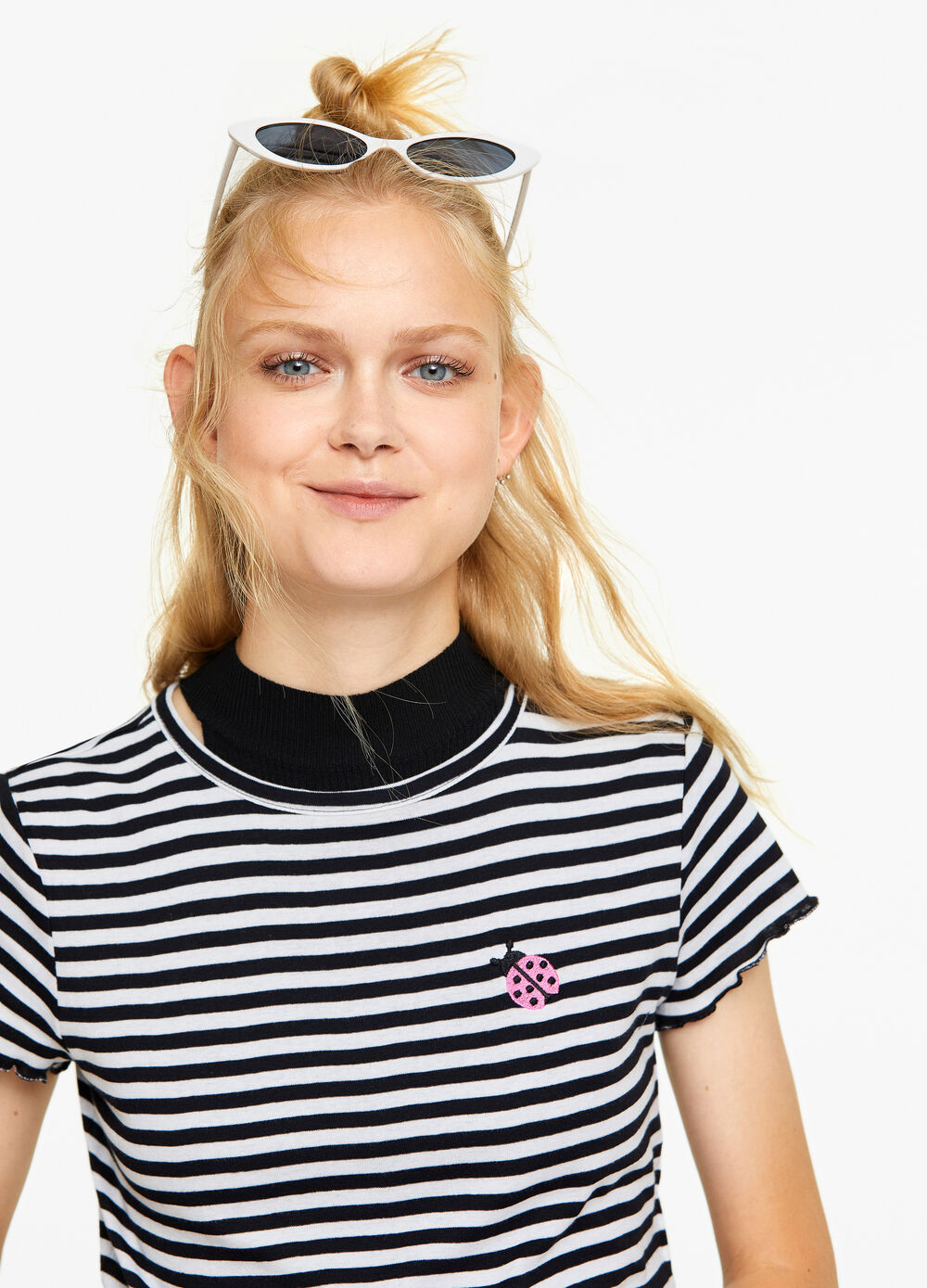 Striped cropped T-shirt with embroidery