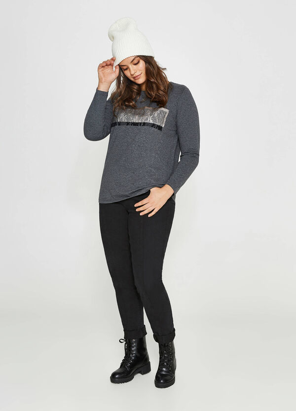 Curvy T-shirt with lace-effect print