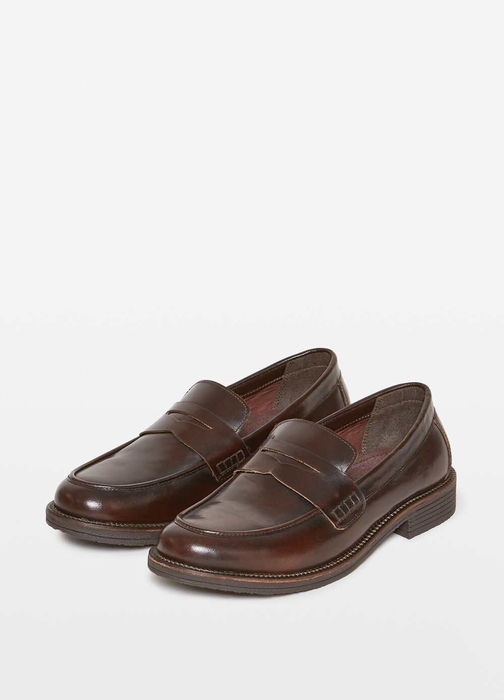Leather moccasins with strap