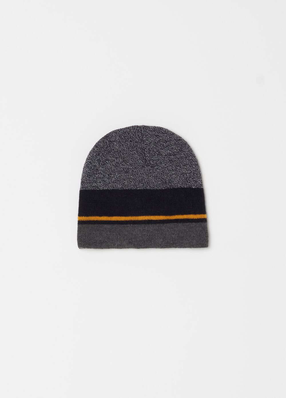 Hat with striped pattern