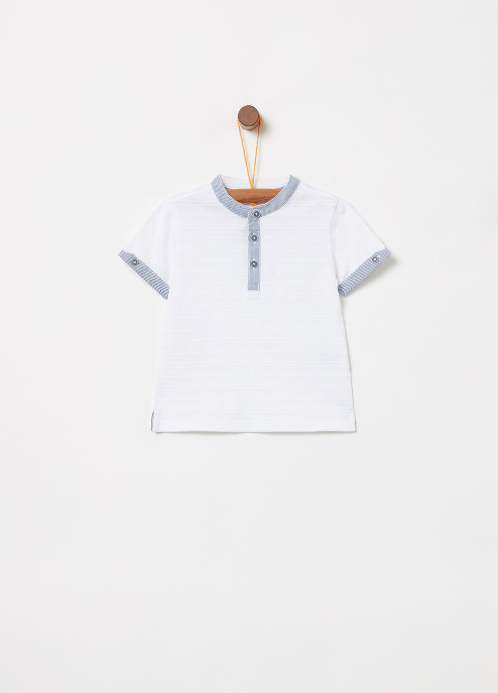 T-shirt with striped weave and striped insert