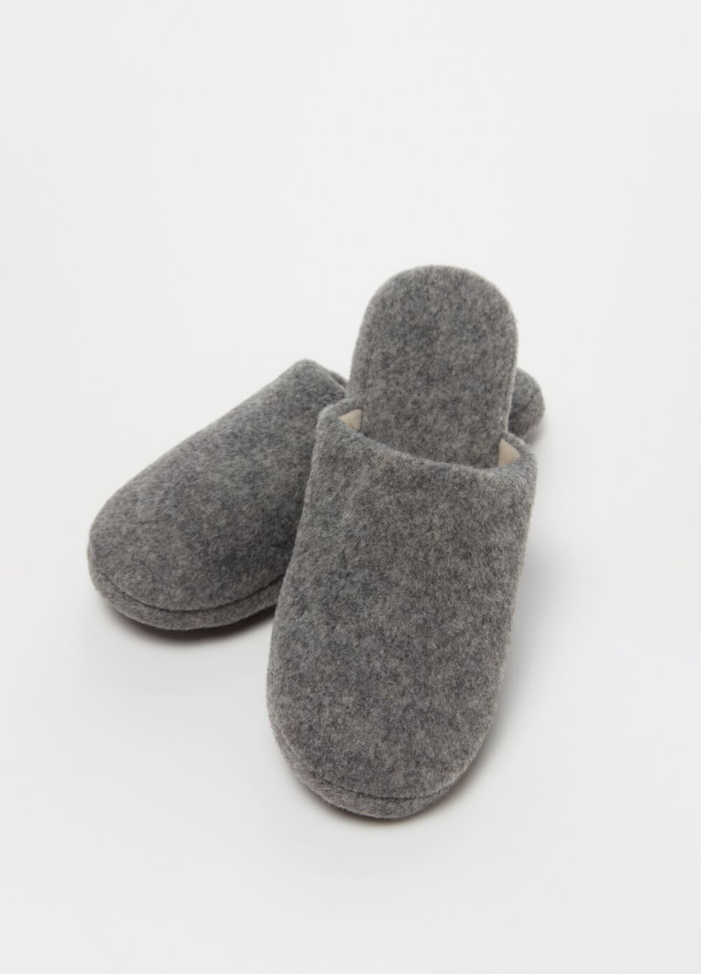 Fabric slippers with flat heel