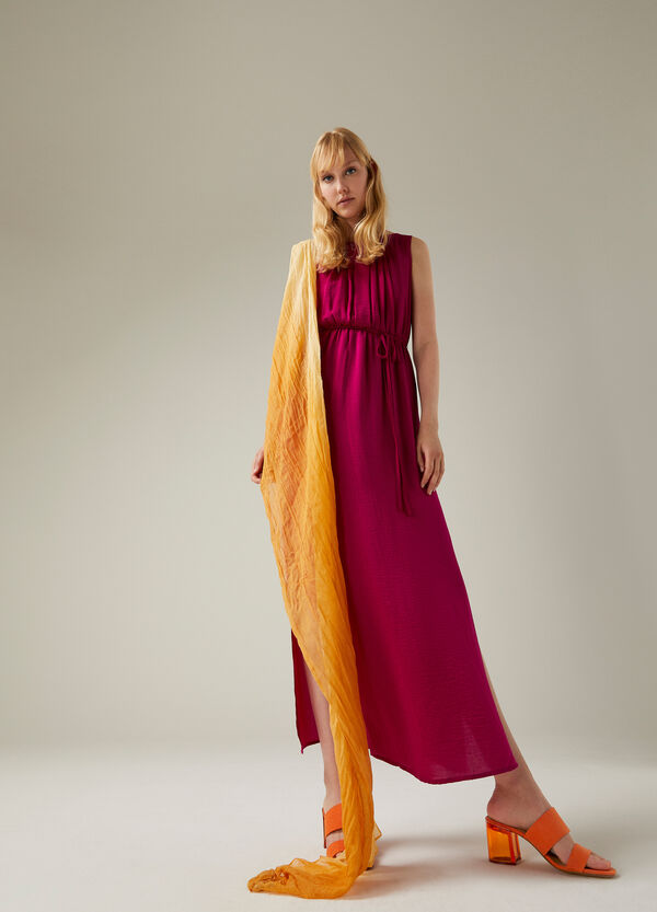 Long sleeveless dress with drawstring