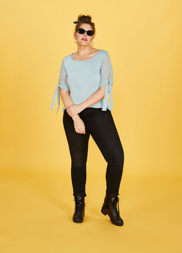 Curvy viscose T-shirt with laces