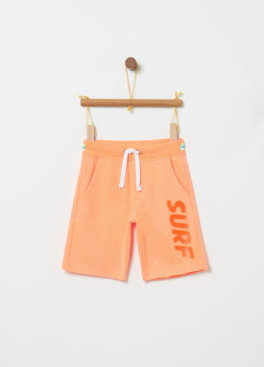 Shorts with lettering print and elasticated waistband