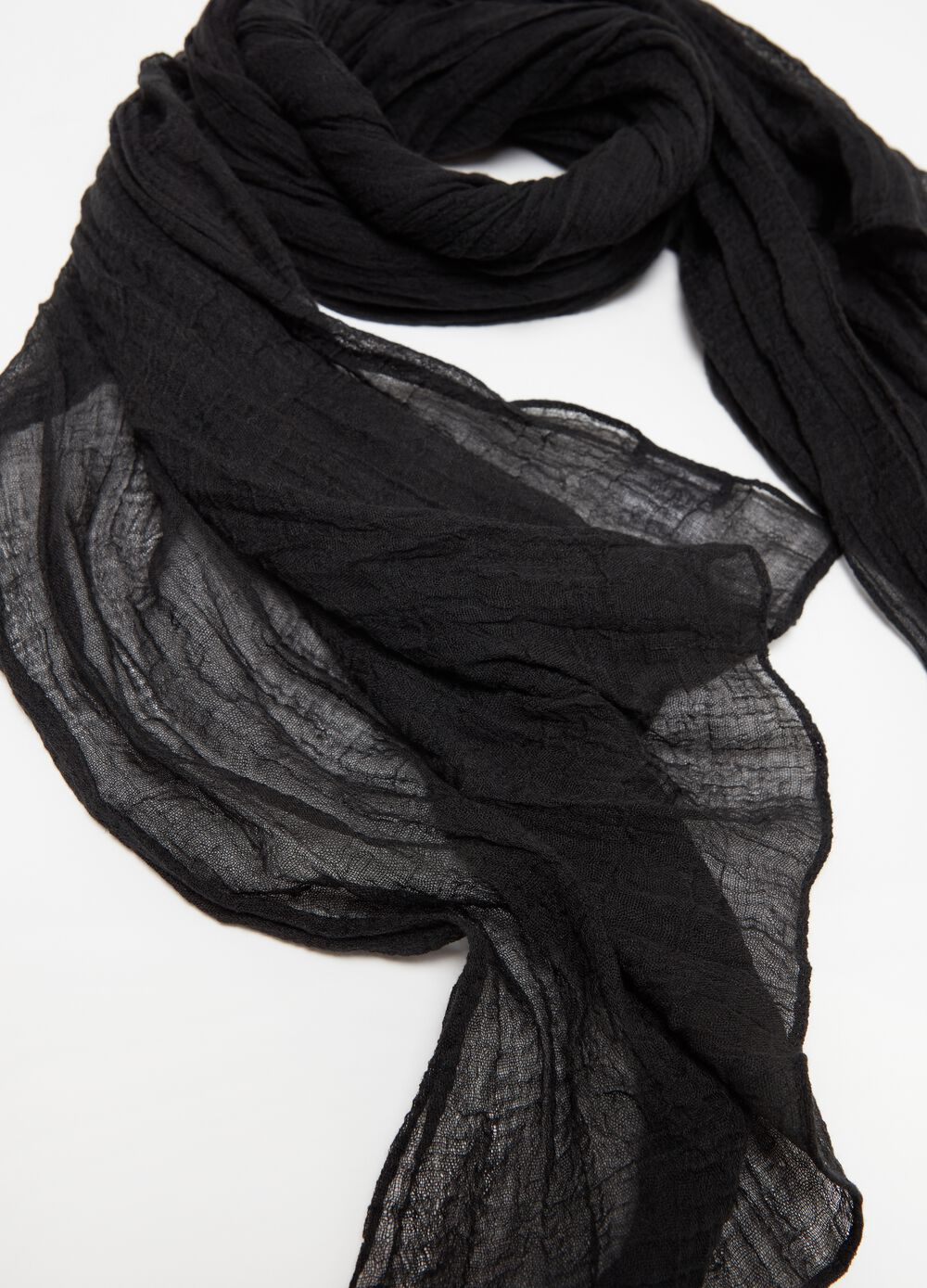 Crinkle creased-effect pashmina