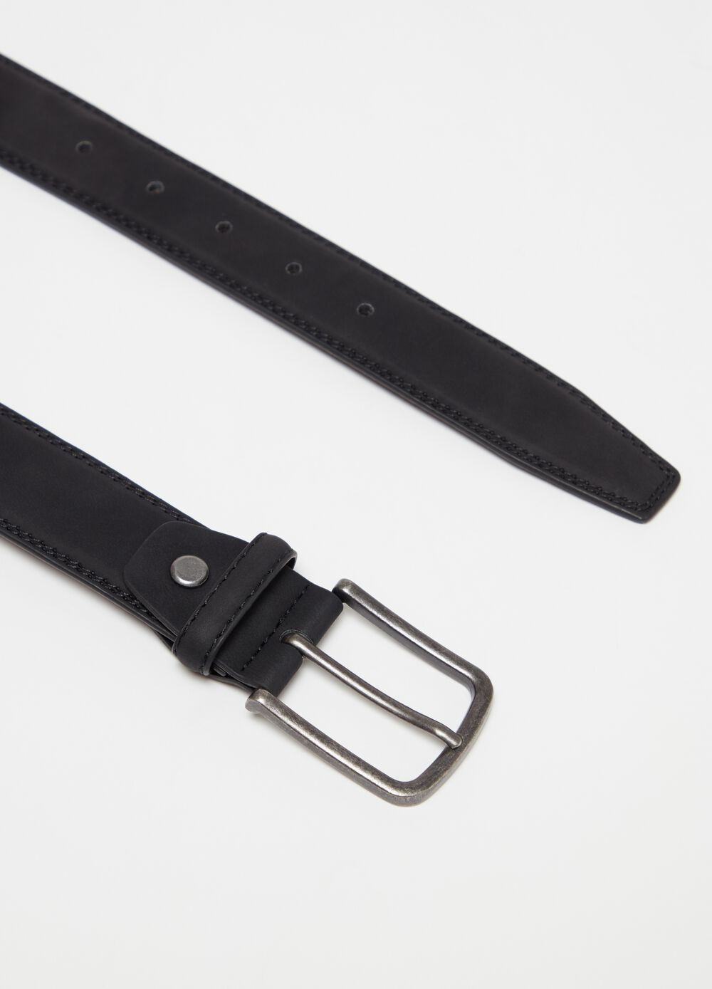 Leather look belt with rectangular buckle